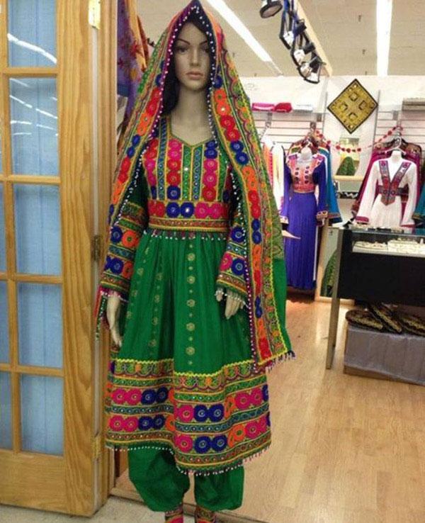 22223321144 11 - پوشش سنتی مردان و زنان سیستان و بلوچستانی