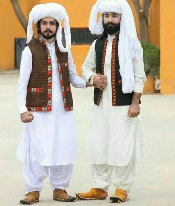 22223321144 6 - پوشش سنتی مردان و زنان سیستان و بلوچستانی
