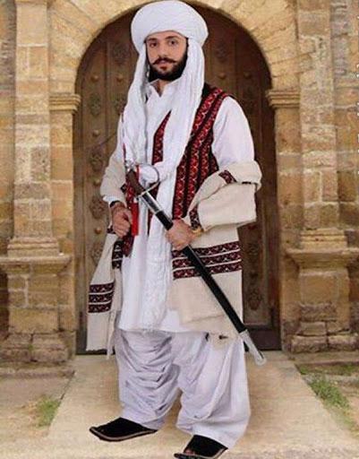 22223321144 7 - پوشش سنتی مردان و زنان سیستان و بلوچستانی