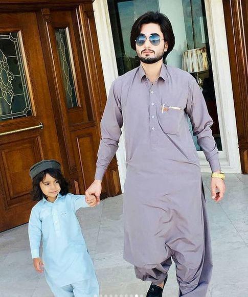 22223321144 8 - پوشش سنتی مردان و زنان سیستان و بلوچستانی
